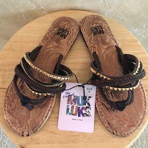 NWT Muk Luks Sandals